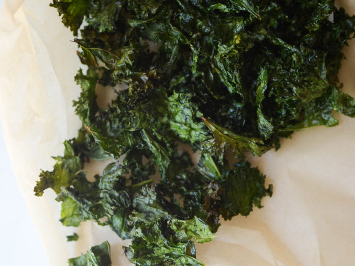 healthy snacking: kale chips